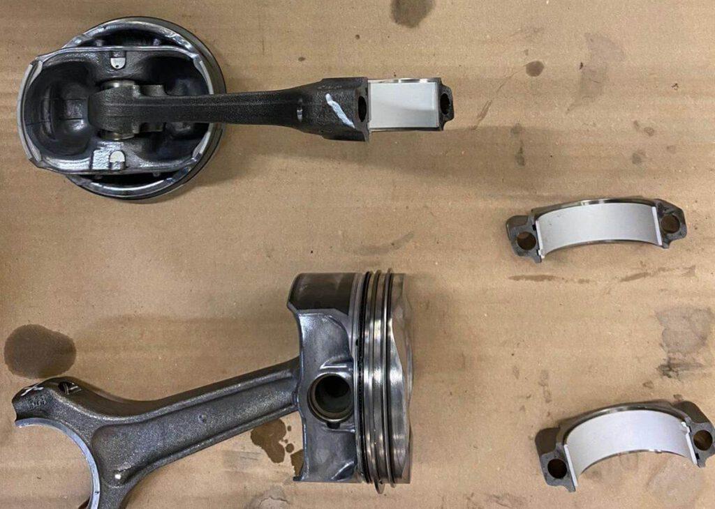 Neue-Pleuellagerschalen - Motorschaden Reparatur beim BMW 116i N43B20