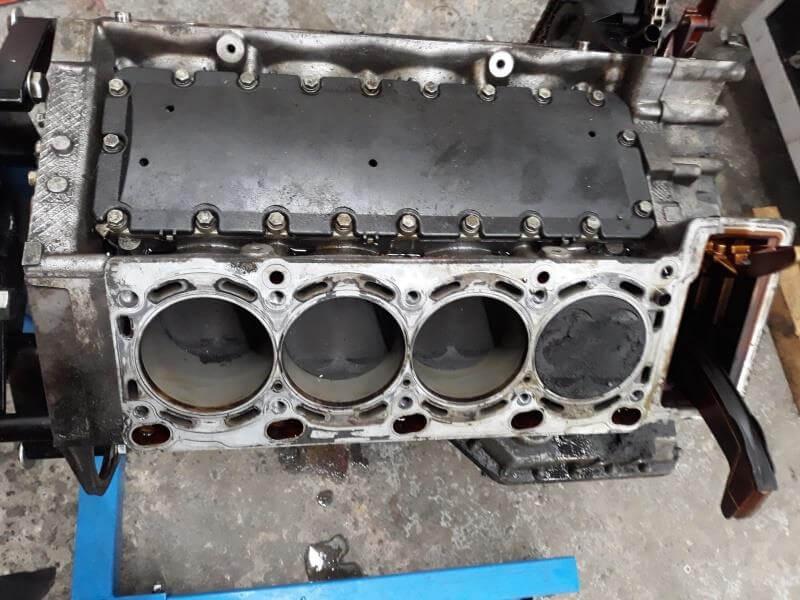 M62B44TU-Motorblock vor der Motorüberholung: erste Sichtung und Bestandsaufnahme
